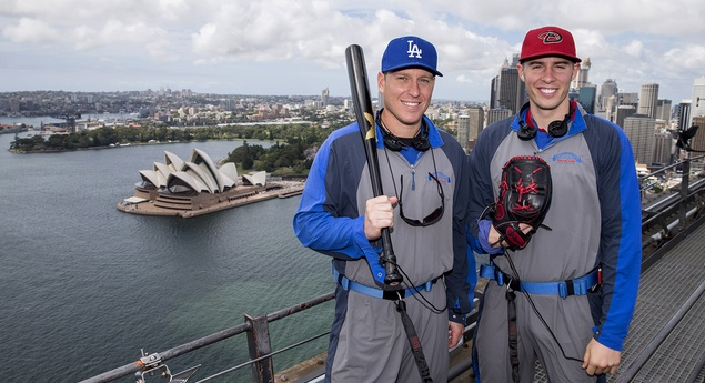 mlb-players-in-sydney-australia-2102014-19464_panoramic